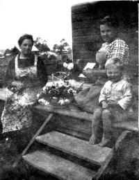 White-Jane, Effie and Tom